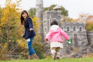 Lifestyle Family Portrait mike ngo central park belvedere castle - 6
